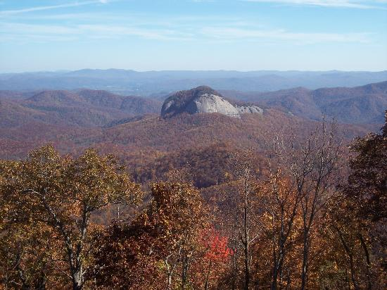 Pisgah Inn: Looking Glass Rock from your room!