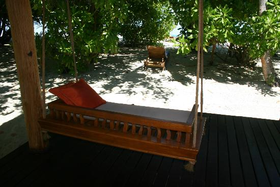 Medhufushi Island Resort: Beach Villa on sun rise side