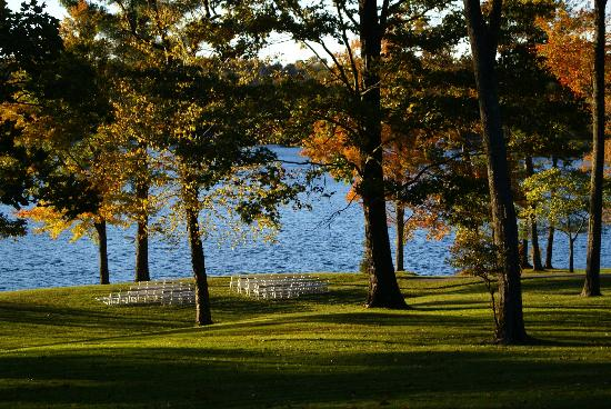 Woodloch Pines Resort: The wedding was originally arranged to occur near the lake, but a 35 mph wind and sleet forced u