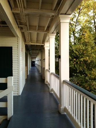 Linden Row Inn: The third floor veranda.