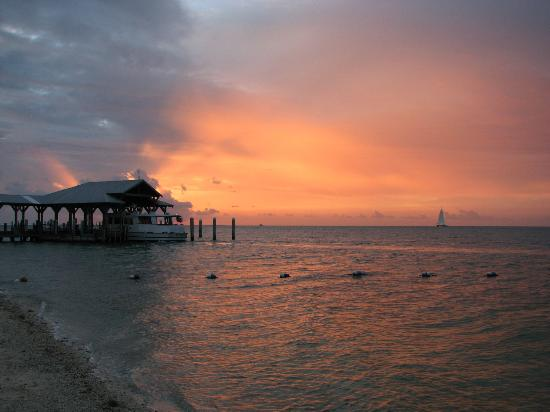 Sunset Key Cottages, A Luxury Collection Resort, Key West: Beautiful Sunset
