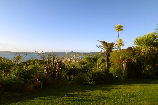 Solitaire Lodge : Lake view from villa
