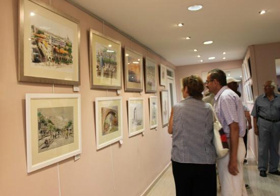 Sun Hall Beach Hotel Apartments: Art Exhibition at Sun Hall Beach Hotel