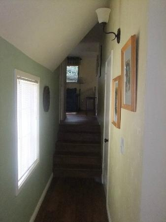 Edgemere Cottages: Corridor