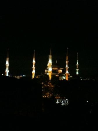 Hotel İbrahim Paşa: night terrace view