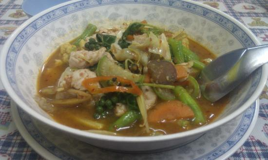 V - Lodge: Chit Chai Restaurant - spicy Thai chicken soup. Restaurant recommended by Thunya.