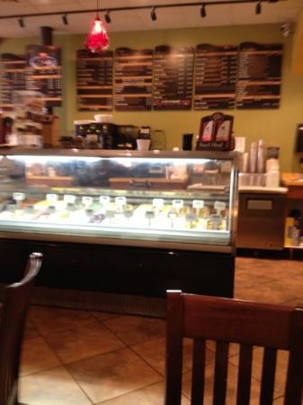 Serda's Coffee Co: counter