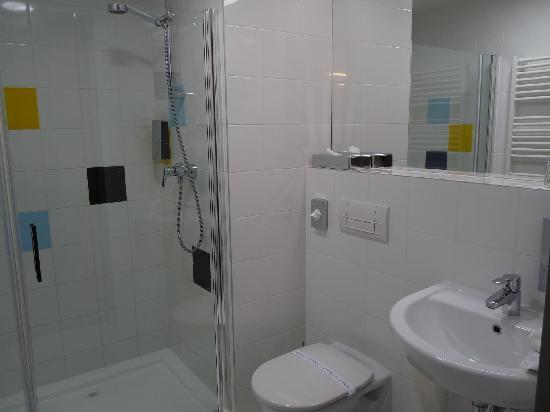 Bo18 Hotel Superior: Badezimmer