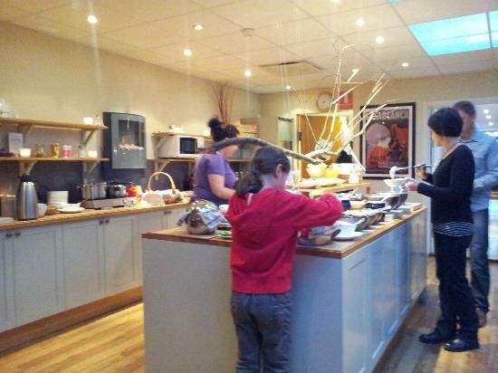 Freys Hotel Lilla Radmannen: Zona de desayuno