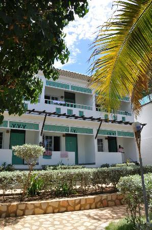 Samsara Cliffs Resort: Hotel Side