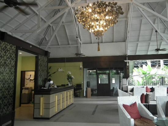 Krabi La Playa Resort: Reception area