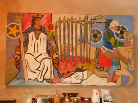 Villa Herencia: Art on the wall of the dining room.