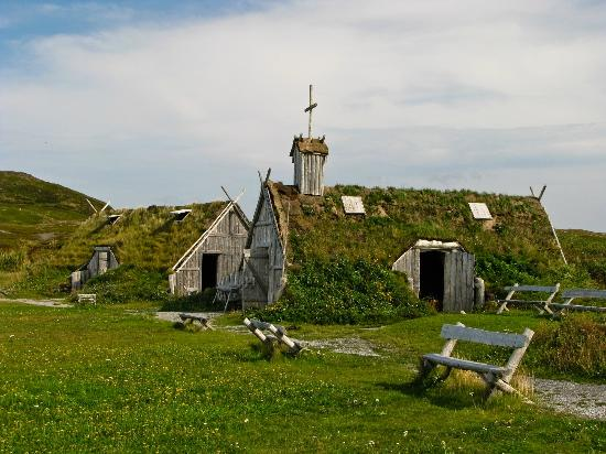 L'Anse aux Meadows, Canada : Sod huts at Norstead