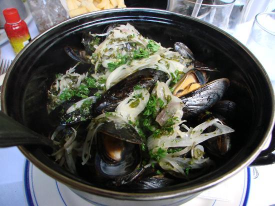 La Bonne Soupe : Thai mussels were outstanding