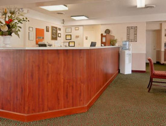 Americas Best Value Inn- Edenton: Lobby