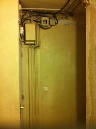 Hotel Exelmans: Installation électrique, SÉCURITÉ