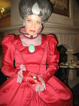Chessy, Frankrike: Lady Tremaine ( Cinderella's stepmother).
