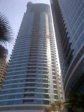 JA Oasis Beach Tower: The hotel building