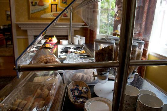 فندق رويال بامز: Morning breakfast bar 