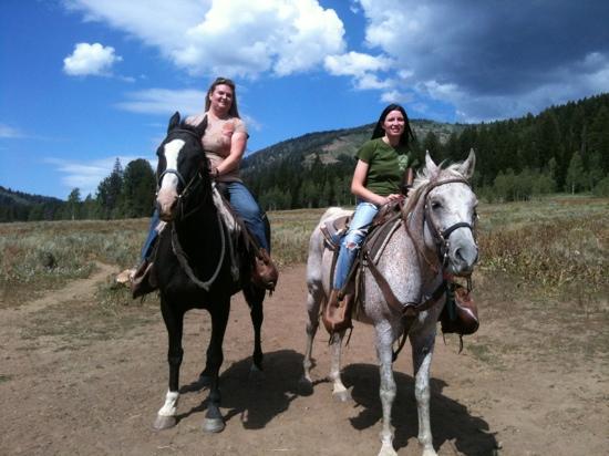 Beaver Creek Lodge: horse back riding at lodge