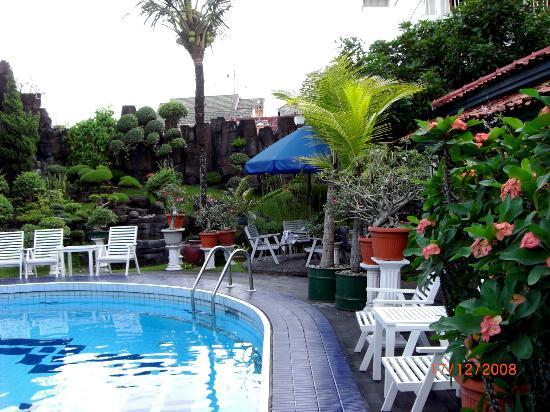 Peti Mas Hotel: Peti Mas Pool - my visit in 2008