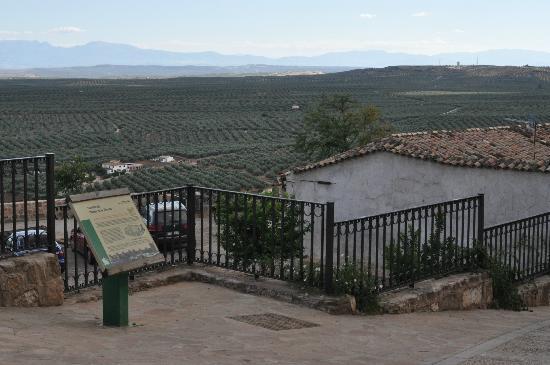 Hotel Restaurante Banos: View of the valley below Baños de Encina