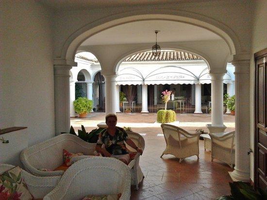 Hotel La Fonda: patio