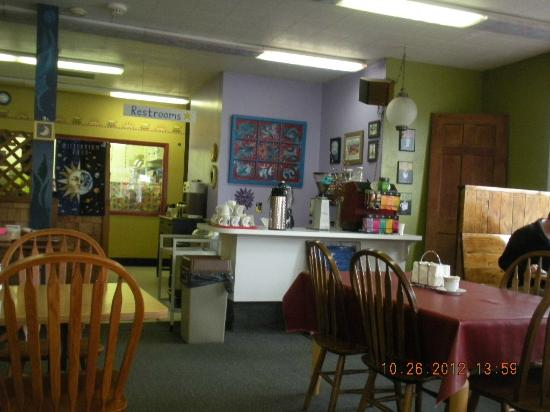 Blue Moon Cafe: counter area