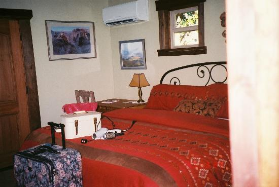 ForFriends Inn : Inside Vaquero Cottage