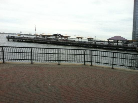 Hyatt Regency Jersey City: Pier view