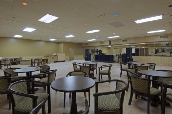 Royal Inn Indianapolis / Speedway : Banquet Hall