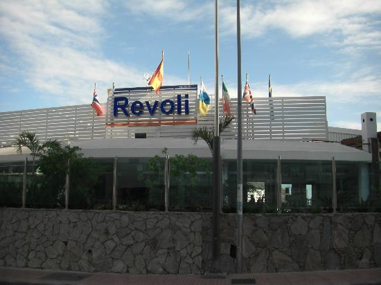 Hotel Revoli: View from front of hotel