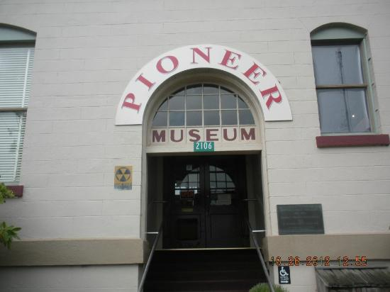 Tillamook County Pioneer Museum: Museum Front-Sign