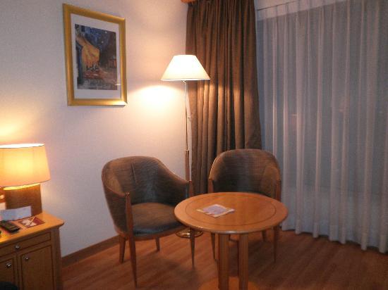 Crowne Plaza Abu Dhabi: Elegant Room