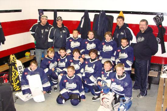 Leisure Inn Hotel: South Porcupine Eagles Atom Team 2012/2013
