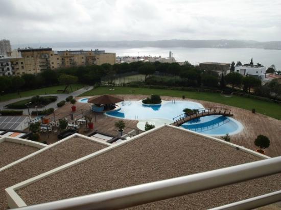 Solplay Hotel de Apartamentos: View onto pool/river 