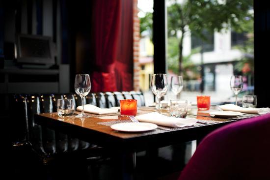 Wood35 Restaurant Bar