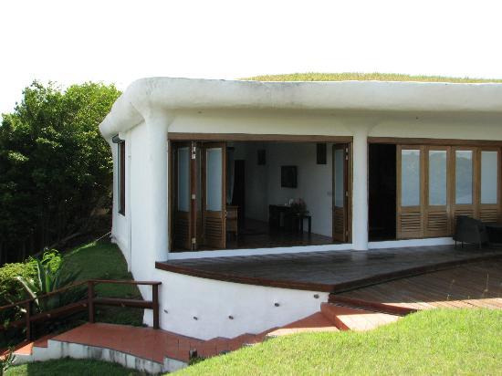 Mount Hartman Bay Estate: Reefview Suite Doors