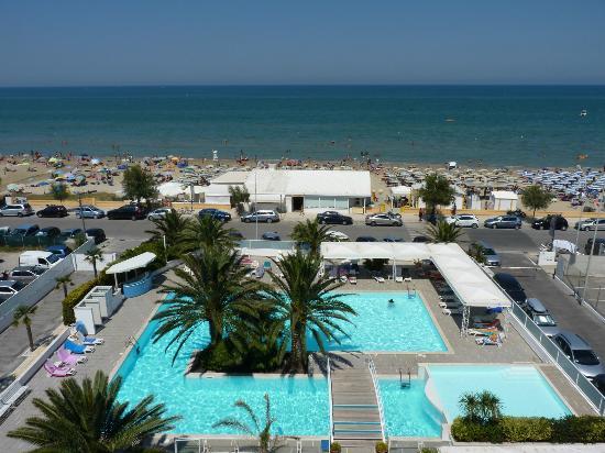 Prima foto della splendida piscina hotel metropol - Hotel con piscina senigallia ...