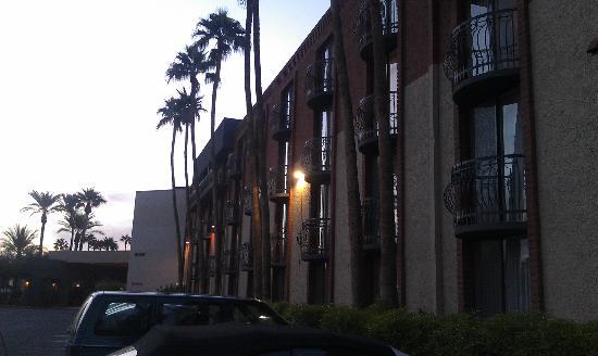 كواليتي إن آند سويتس فينيكس إيربورت نورث: Exterior of Hotel