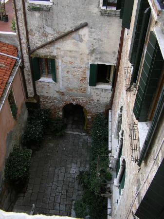 Palazzo Odoni: Courtyard of Hotel