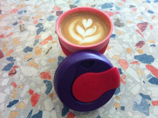 Cafe Boscanova: Latter Art In A Keep Cup