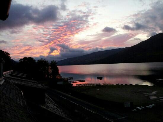 sunset . Clachan cottage hotel. 2011/10