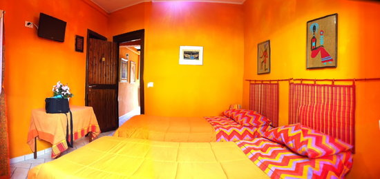 La Veranda Fiorita: camera arancione