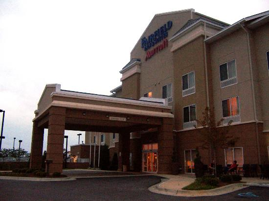 Fairfield Inn & Suites Columbus: external view