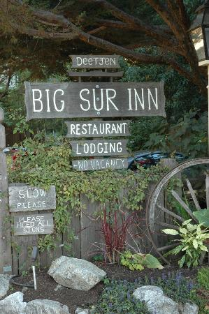 Deetjen's Big Sur Inn: Entrance