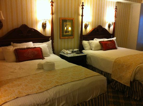Disney's BoardWalk Inn: beds