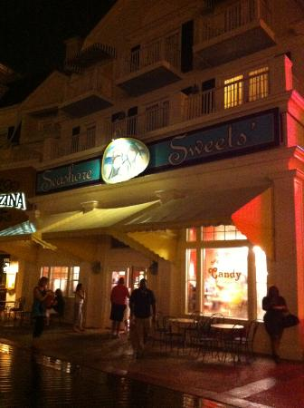Disney's BoardWalk Inn: Candy/Ice Cream Shop