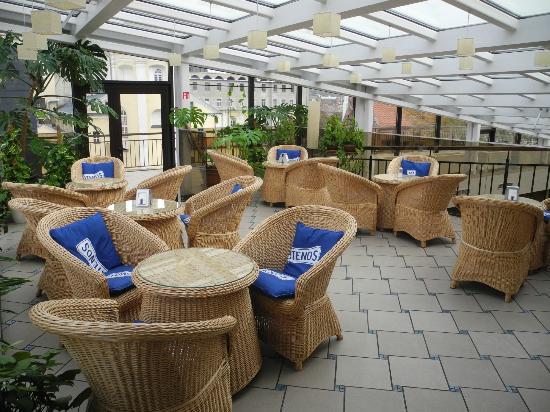 Daugirdas Hotel: Dejlig Terrasse