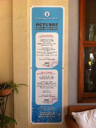 Voramar Restaurante: Cartel con el menú